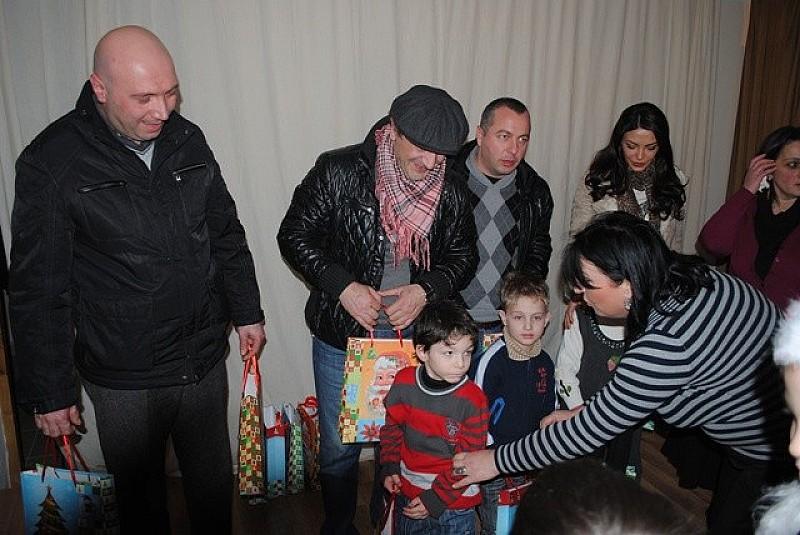 საახალწლო საჩუქრები სმენადაქვეითებულ ბავშვებს